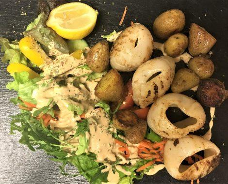 Fischgericht des Cafe de mar